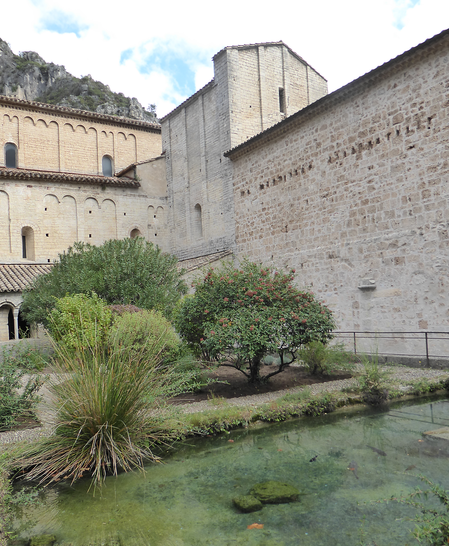 Cloister of Saint Guilhem, Photo: H. Maurer, 2015