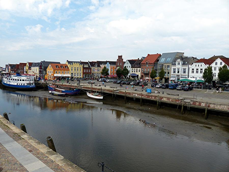 Husum - Inland Harbour; Houses