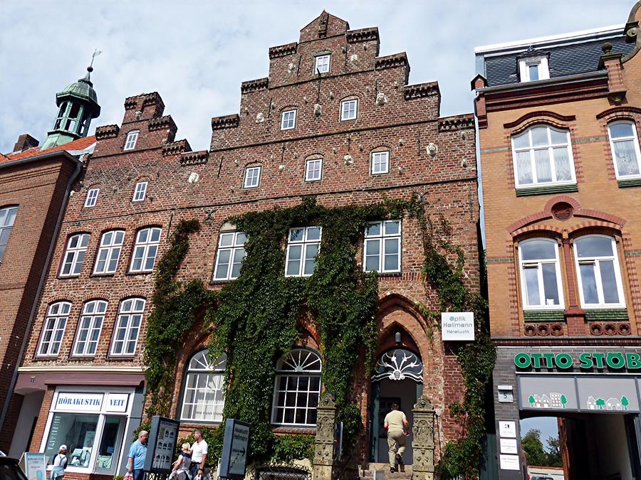 Husum - Manor from 1400, the Duke's Mint as of 1520