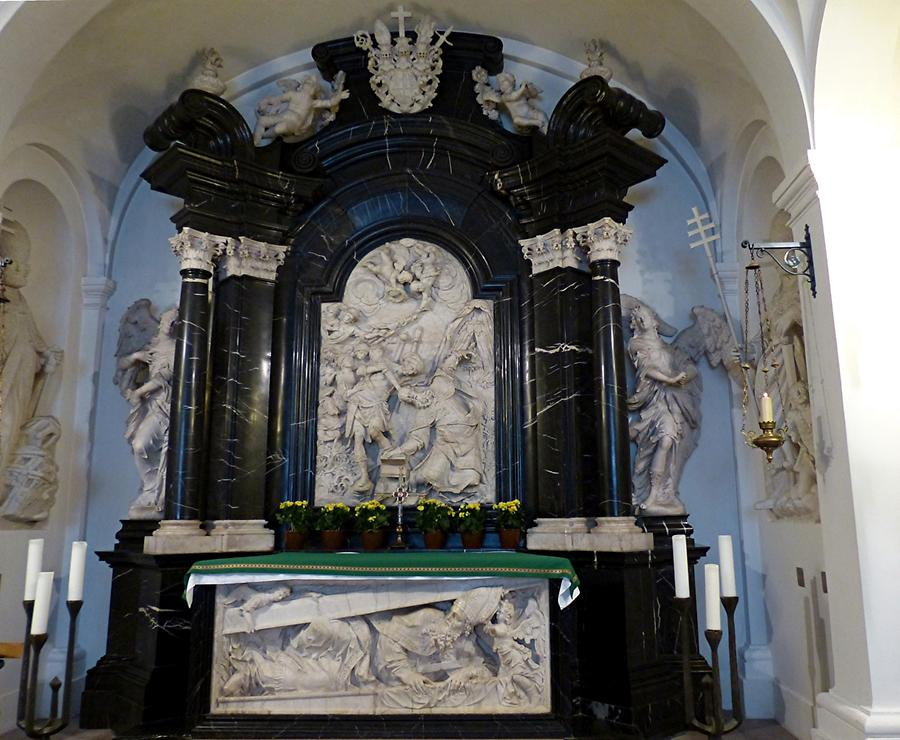 Fulda - Cathedral; Burial Crypt of Saint Boniface