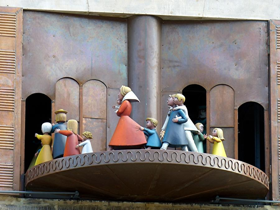 Hamelin - 'Hochzeitshaus'; Chimes, Legend of the Pied Piper