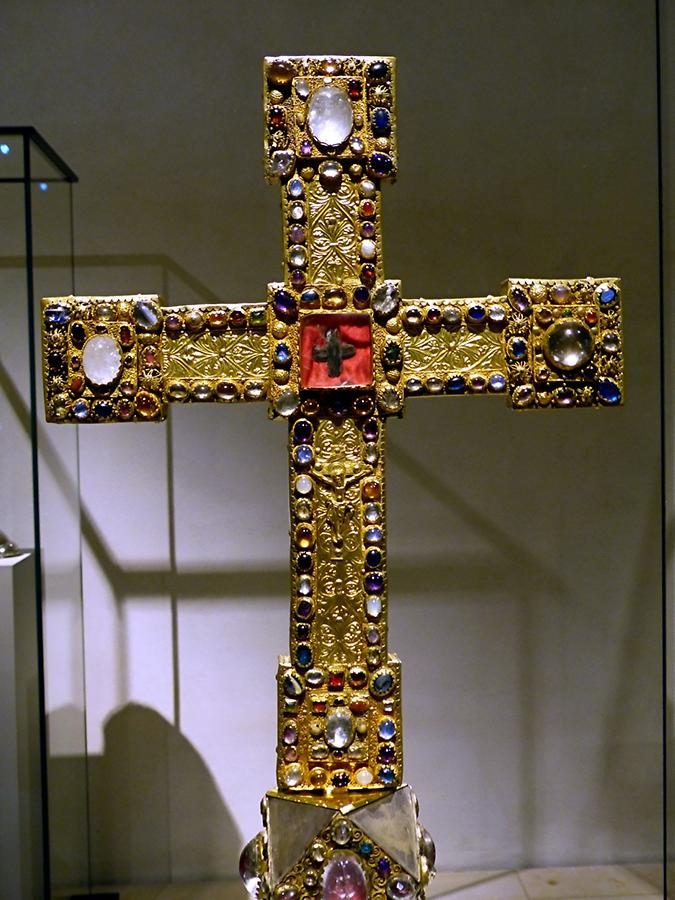 Hildesheim - Cathedral Museum; Cross of Henry the Lion, around 1180/90