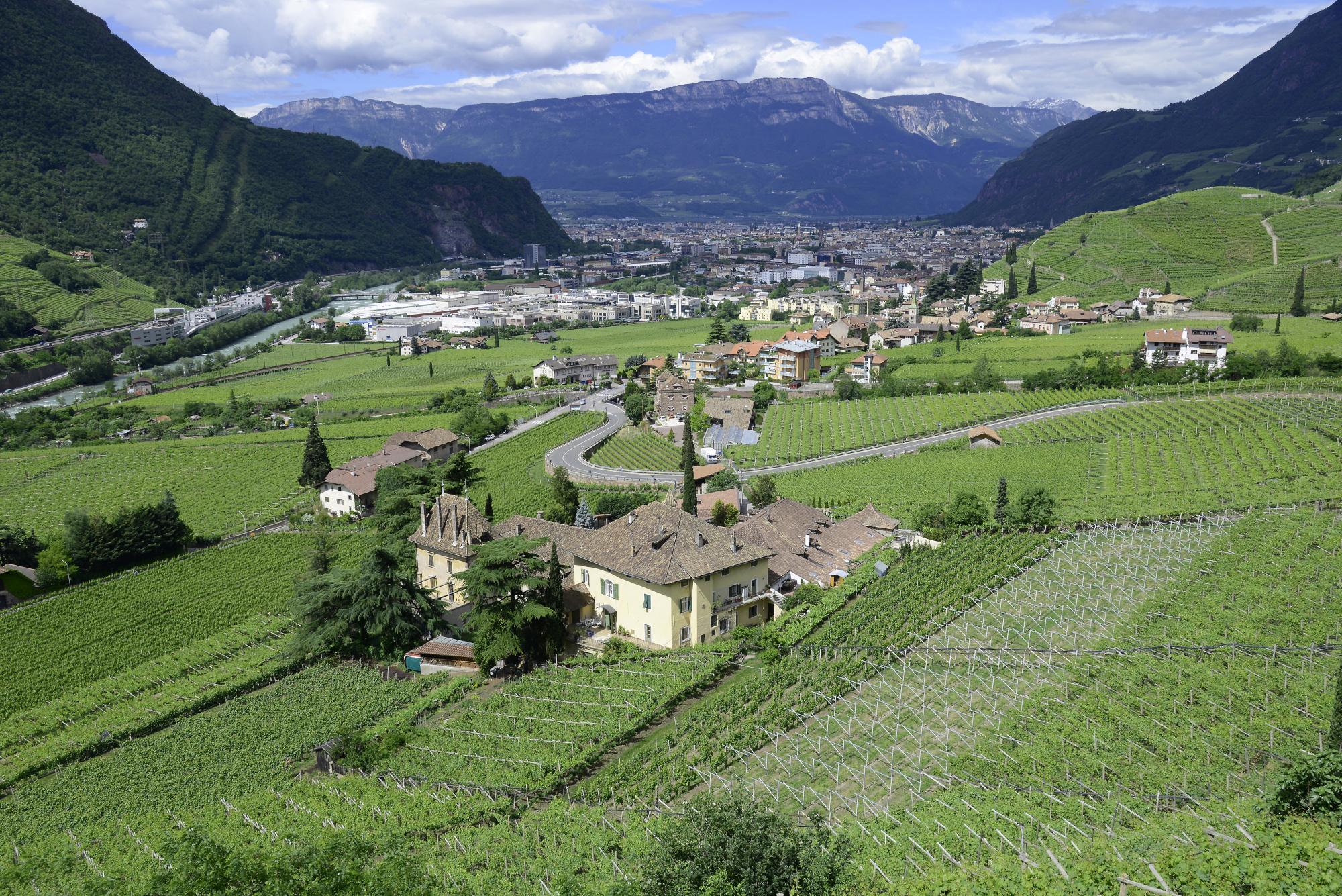 Bolzano 2 bolzano pictures geography im austria forum for Schuhschrank bozen 461 002