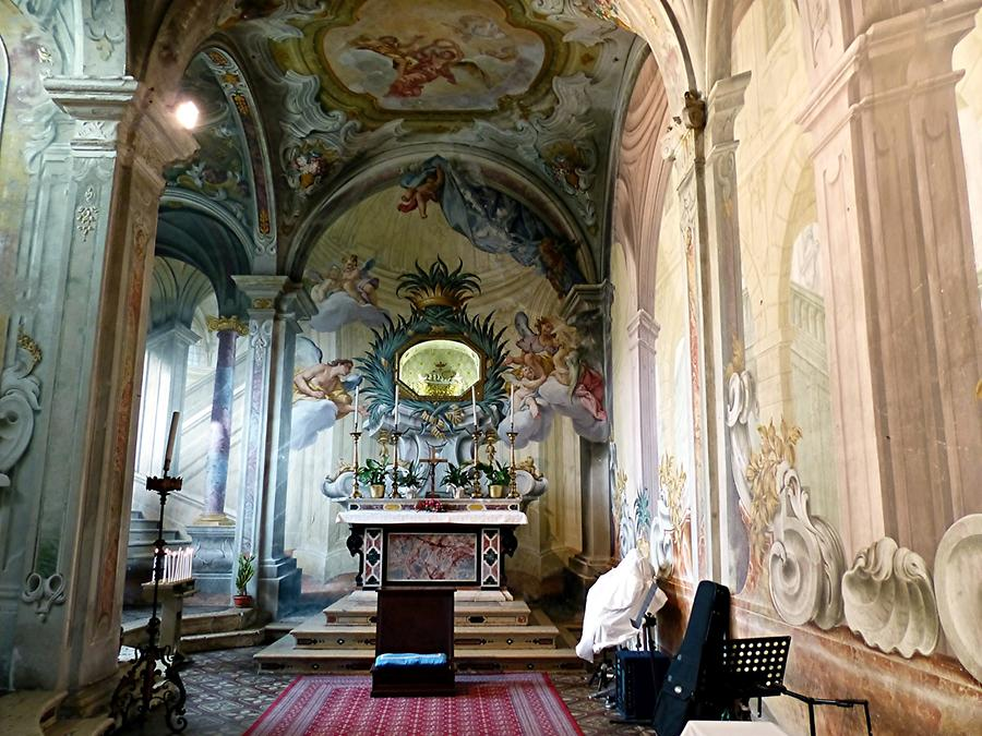 Abbey of St. Nicholas - Side Chapel