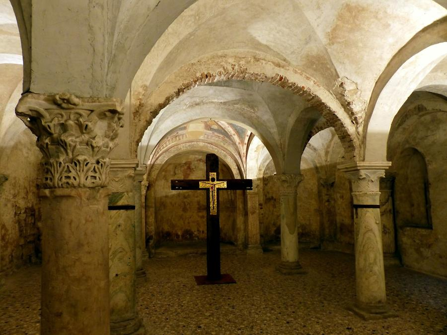 Brescia - Old Cathedral, Crypt