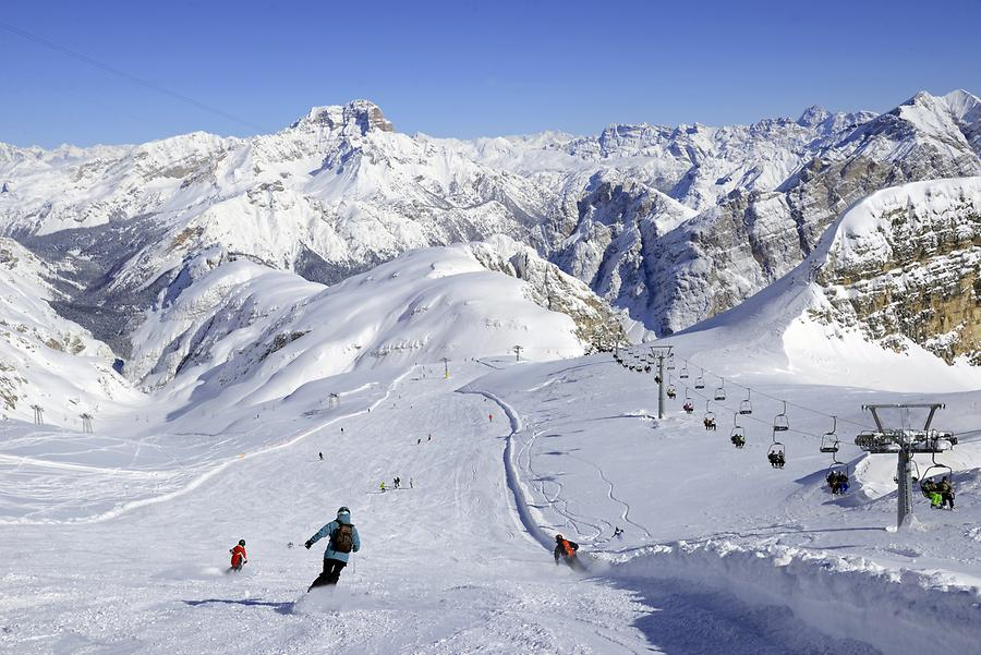 Ra Valles Skiing Area