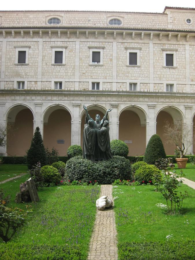 Cassino - Abbey of Monte Cassino, Cloister