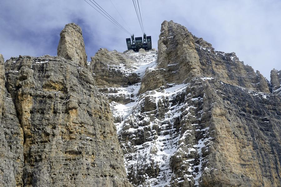 Sass Pordoi - Cable Car