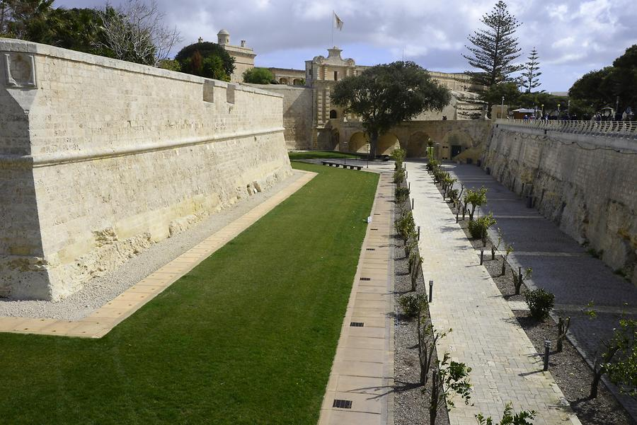 Mdina - City Walls