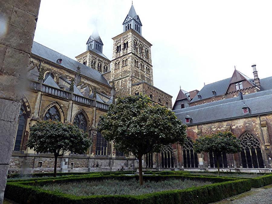 Maastricht - Basilica of Saint Servatius with Cloister