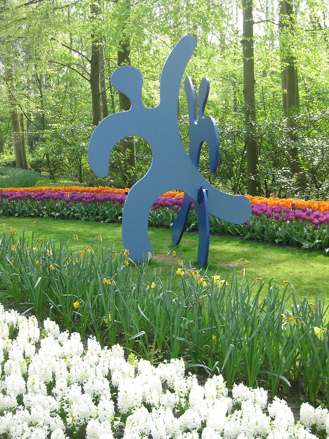 Keukenhof - Sculpture by Keith Haring