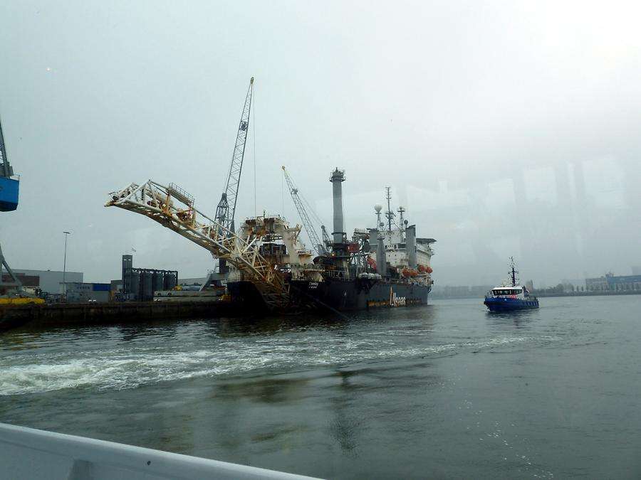 Rotterdam - Harbour Tour; Salvage Ship