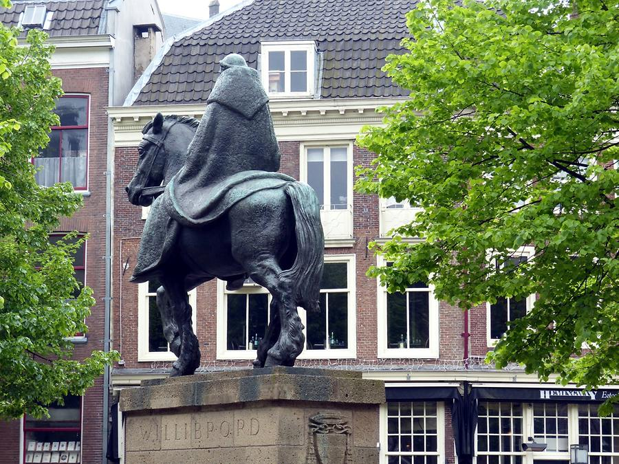 Utrecht - Statue of Willibrord