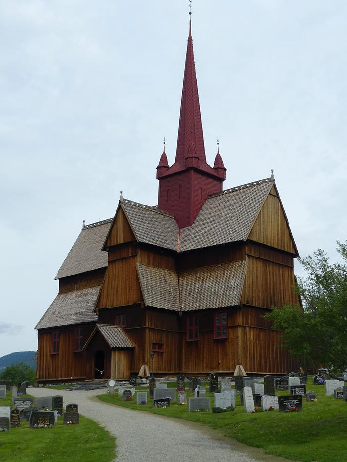 Gudbrandsdalen - Ringebu; Stave Church with Cemetery