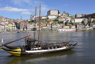 Harbour and Ribeira District (2)