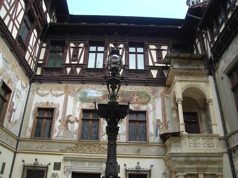 Court of Peles Castle