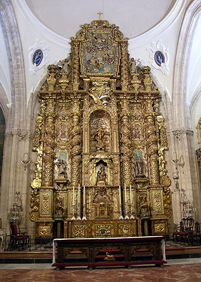 Ronda Cathedral - Walls of altar