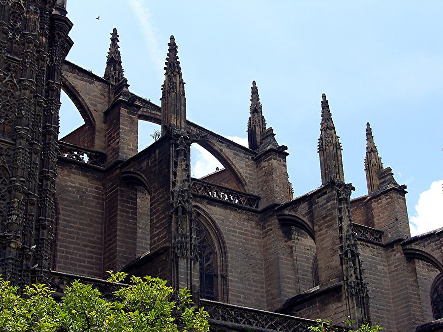 Seville Cathedral - Supporting constructs