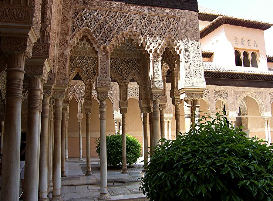 Granada – Alhambra: Nasrid Palace - Court of the Lions