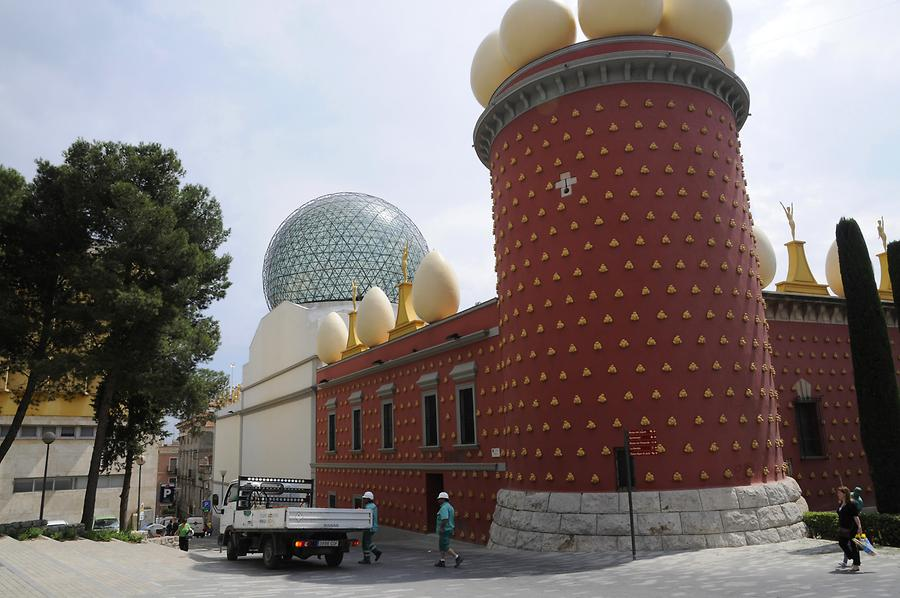 Figueres - Dalí Theatre and Museum