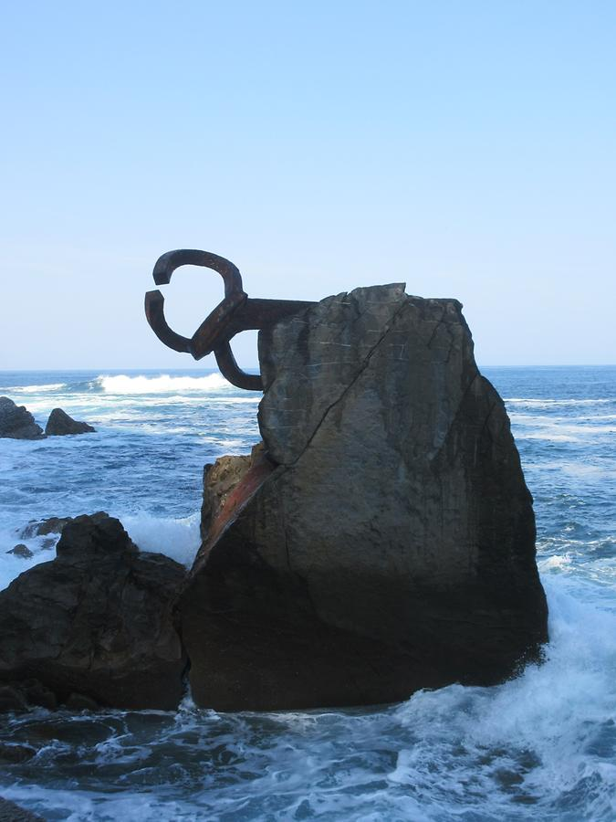 San Sebastian - Paseo Eduardo Chillida - 'Peine del Viento' of Sculptor Eduardo Chillida and Architect Louis Pena Ganchegui