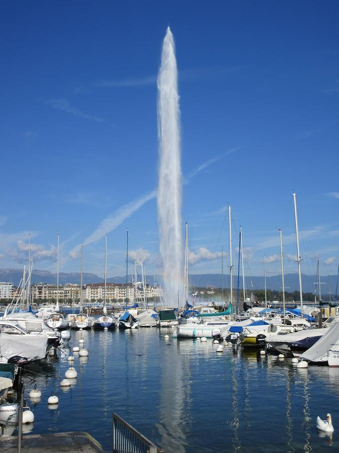 Geneva - Quai Gustave-Ador - Water Fountain