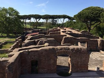 Ostia - Historical temple, Photo: T. Högg