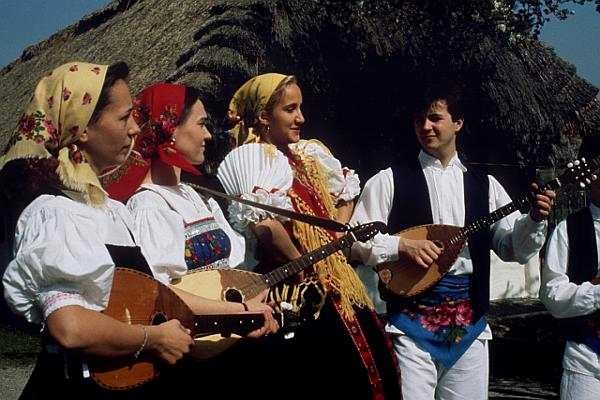 Folklore, Tracht