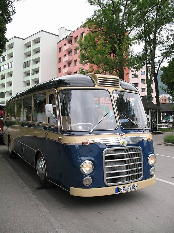 Oldtimerbus in Bad Ischl