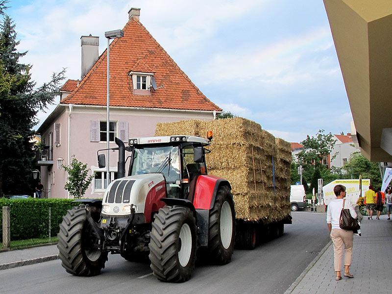 Der neue Bauernhof | Kulturwandel durch Technik | Essays im Austria ...