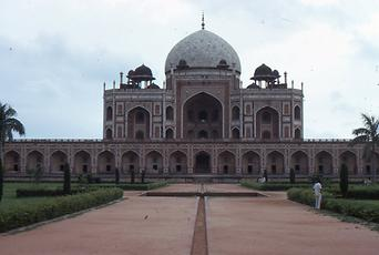 Tomb of the Mughal emperor in Delhi