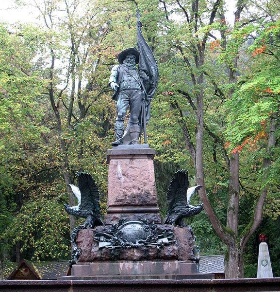 https://austria-forum.org/attach/Wissenssammlungen/Symbole/Andreas_Hofer-Denkmal/Bergisel_Denkmal.jpg